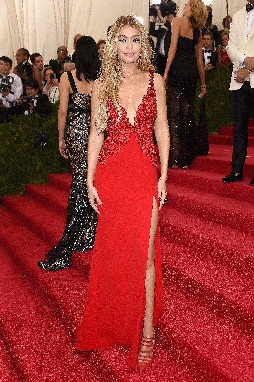 Фото знаменитостей в лучших платьях