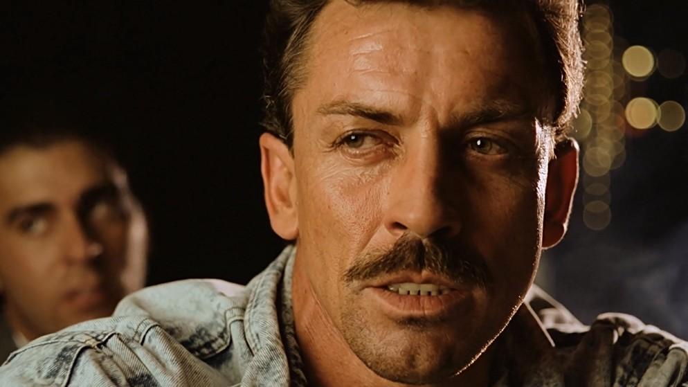 Amarikan Sitili Ölüm (Killing American Style) 1990 Bluray 1080p.x264 Dual Türkce Dublaj BB66 (8) - barbarus